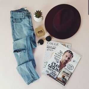 Size 8 Distressed Seed Skinny Jeans